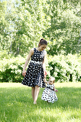 Polka-dotted dresses - p981m931140 by Franke + Mans