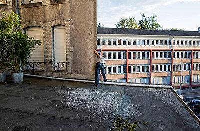 Parkour - p1153m965623 by Michel Palourdiau