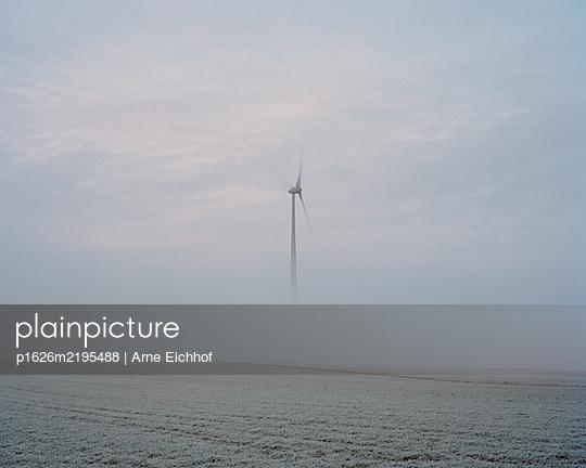p1626m2195488 by Arne Eichhof