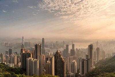 Hong Kong Skyline Number 1 - p1154m2022412 by Tom Hogan
