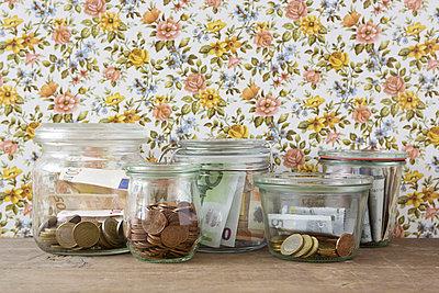Saving money - p454m777108 by Lubitz + Dorner