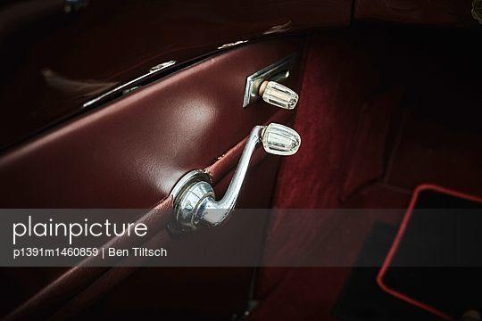 p1391m1460859 by Ben Tiltsch
