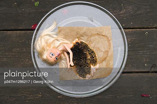 Geschmolzene Blondine - p347m1286217 von Georg Kühn