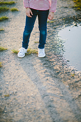Jeans and sneaker - p946m957560 by Maren Becker