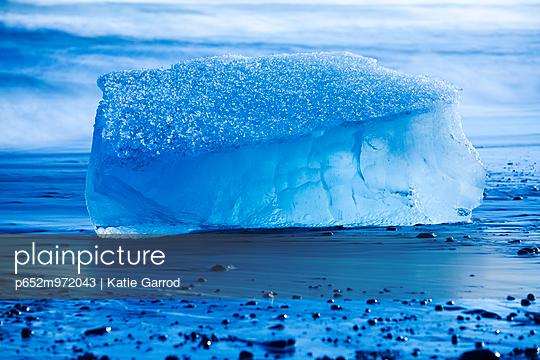 p652m972043 von Katie Garrod