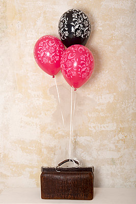 Bag with balloons - p451m953154 by Anja Weber-Decker