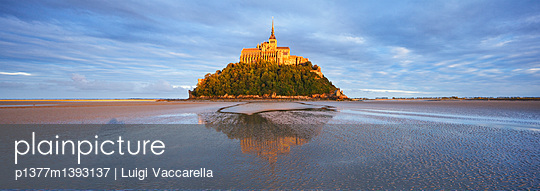 The abbey at sunset - p1377m1393137 by Luigi Vaccarella