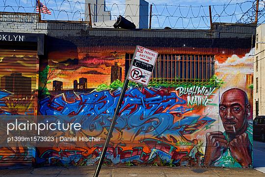 Streetart in Bushwick - p1399m1573923 von Daniel Hischer