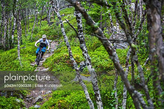 p343m1090338 von Elias Kunosson