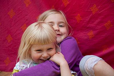 Geschwister - p522m906927 von Pauline Ruhl Saur