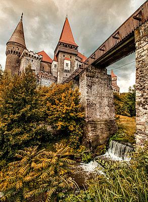 Corvin Castle - p1072m954952f by Grigore Roibu