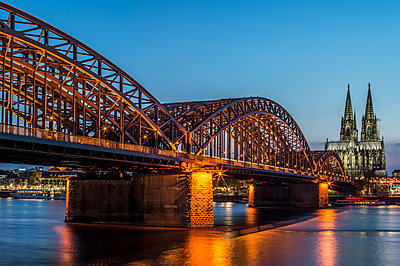 Cologne at dusk - p401m1355591 by Frank Baquet