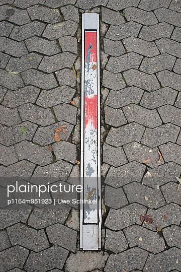 Absperrpfosten - p1164m951923 von Uwe Schinkel