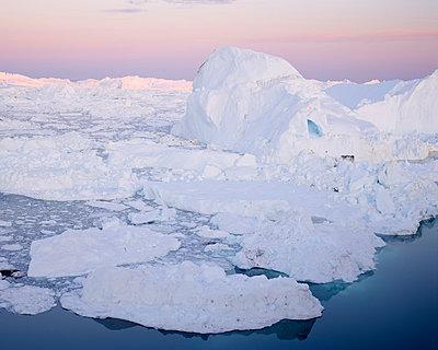 Greenland - p1087m854210 by Jorge Fuembuena