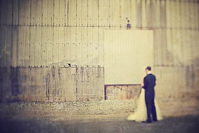 Wedding in a deserted industrial area - p5820028 by our labor of love