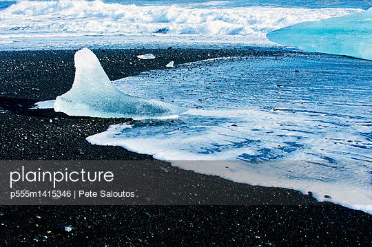 p555m1415346 von Pete Saloutos