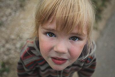Portrait of a blond girl - p1642m2222222 by V-fokuse
