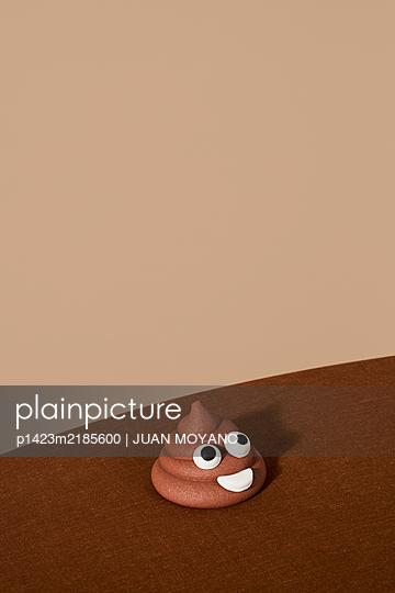p1423m2185600 by JUAN MOYANO