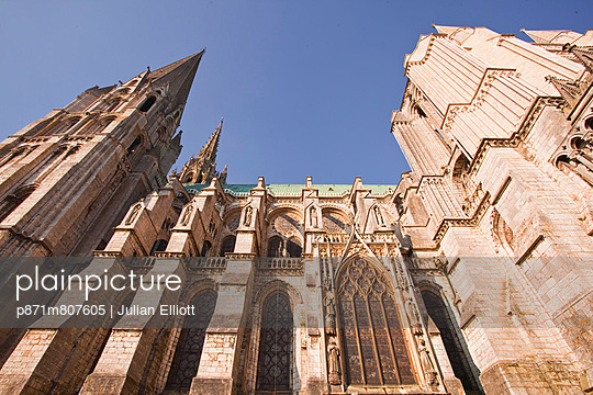 Gothic architecture on Chartres Cathedral, UNESCO World Heritage Site, Chartres, Eure-et-Loir, Centre, France, Europe