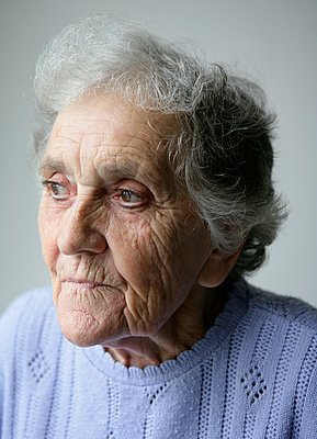 Elderly woman - p1158m966395 by Patricia Niven