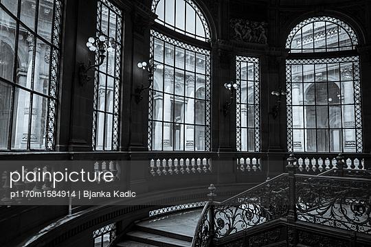 Treppenhaus - p1170m1584914 von Bjanka Kadic