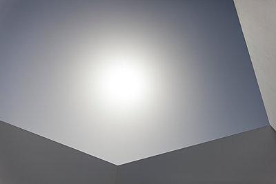 Sun and haze - p1598m2164162 by zweiff Florian Bier