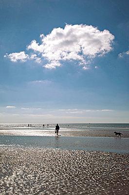 Strandspaziergang an der Nordsee - p382m1540208 von Anna Matzen