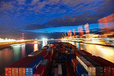 Container ship at night in Rotterdam - p1099m880344 by Sabine Vielmo