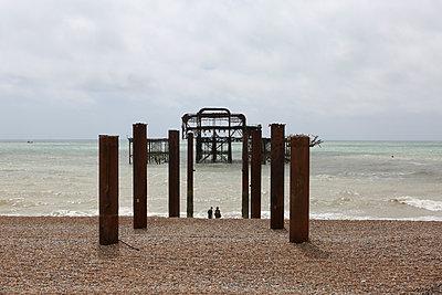Brighton West Pier - p1289m1159553 by Elisabeth Blanchet