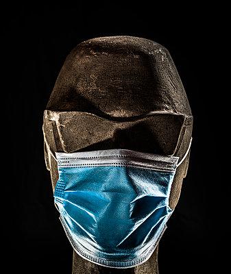 Coronavirus, Face Mask - p1275m2217580 by cgimanufaktur