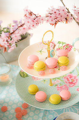 Macarons - p936m939709 by Mike Hofstetter