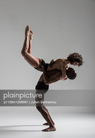 Moves - p1139m1208991 by Julien Benhamou