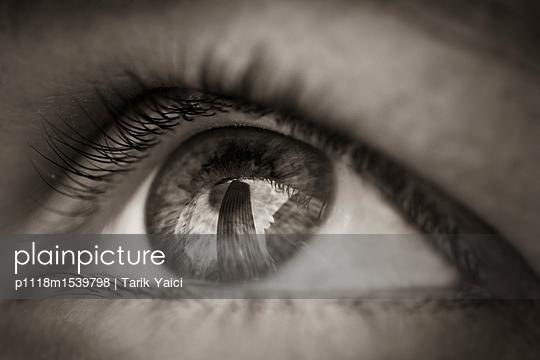 Eye - p1118m1539798 by Tarik Yaici