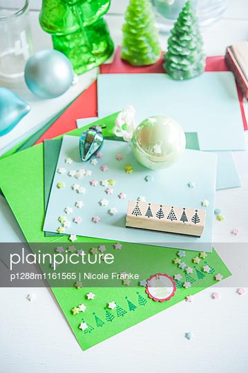 Weihnachtliches Briefpapier - p1288m1161565 von Nicole Franke