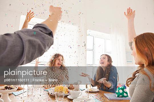 Zur Feier des Tages - p981m1160111 von Franke + Mans