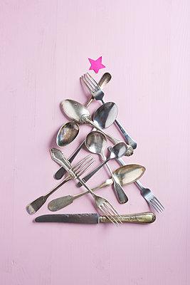 Christmas dinner - p454m1491916 by Lubitz + Dorner