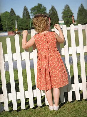 girl watching Polo - p6060497 by Iris Friedrich