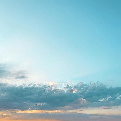 Clouds obscuring sun - p924m2018612 by Rehulian Yevhen