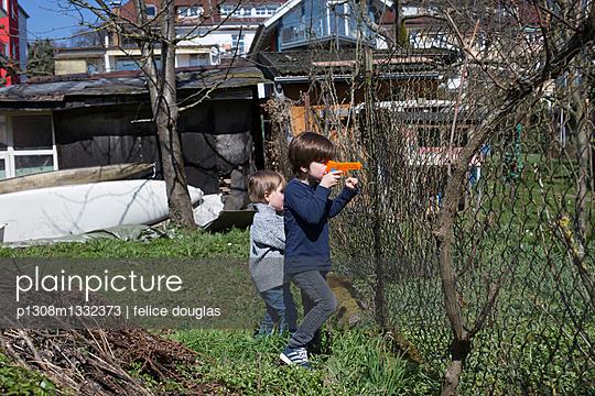 p1308m1332373 by felice douglas
