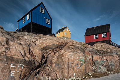 Bunte Häuser in Grönland, Uummannaq - p1486m1564236 von LUXart