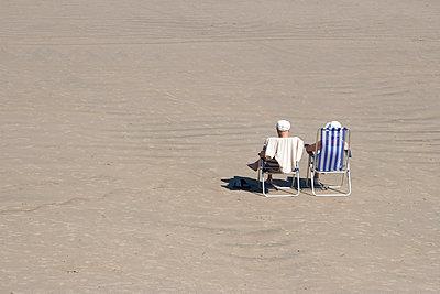 Am Strand - p993m698536 von Sara Foerster
