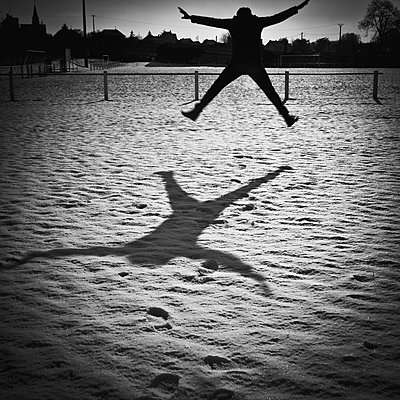 Snow and shadow - p1402m1540064 by Jerome Paressant