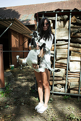 Woman on a farm - p930m1050722 by Ignatio Bravo