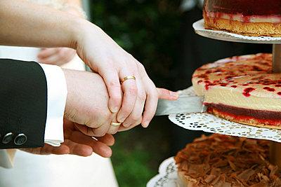 Frisch verheiratet - p2400334 von Valerie Wagner