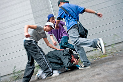 Gewalt unter Jugendlichen - p2873683 von Ralf Mohr