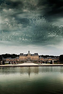 Chateau - p3750589 by whatapicture