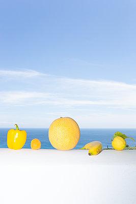 All in yellow - p454m2134906 by Lubitz + Dorner