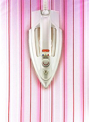 Gestreift Bügeln  - p3910007 von Lumen