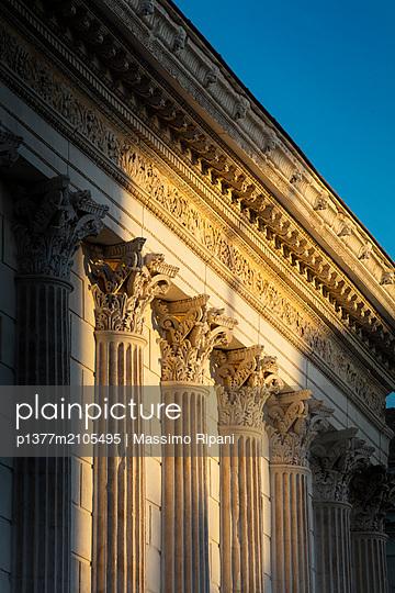 France, Occitanie, Nîmes, Gard, Maison Carrée - p1377m2105495 by Massimo Ripani