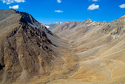 River Valley & Road in Himalayan Mountain Landscape - p1562m2220282 by chinch gryniewicz